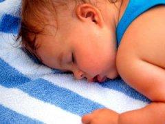 Потеет голова во время сна у ребенка