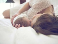 Сон ребенка с мамой